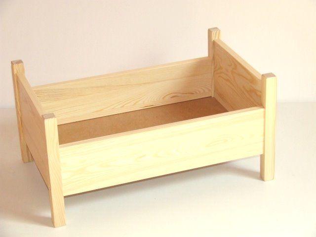 Łóżeczko dla lalek z naturalnego drewna