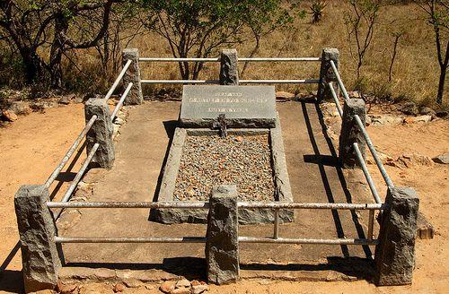 Below the memorial on KwaMatiwane Hill, lies the grave of Piet Retief. Boer hero.