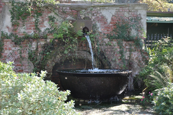 kettle wall fountain: Gardens Ideas, Wall Fountain, Sugar Kettle, Water Fountain, Garden Design, Water Gardens, Fountain Ideas, Gardens Design, Design Landscape