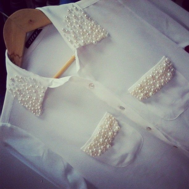 Camisa com perolas