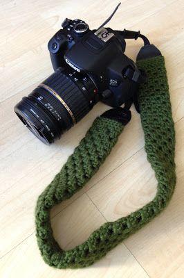 Make: Crochet camera strap cover