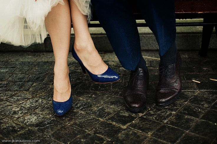 Raindrops on their shoes... It was wounderfull wedding!