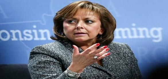 GOP Governor stiffs hamburger joint; tosses bill in garbage New Mexico Governor  Susana Martinez orders food and ignores bill; Owner notified media.