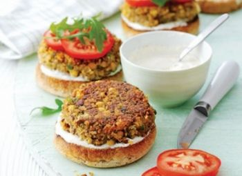 Burgeri de ciuperci şi năut - Good Food Romania