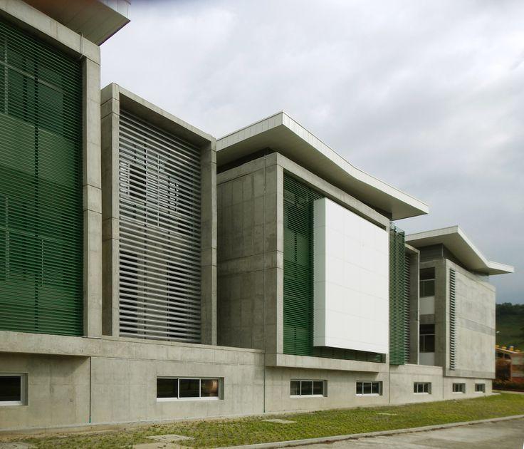 5371a086c07a804e4e000083_edificio-de-quimica-e-ingenieria-quimica-universidad-nacional-de-colombia_edificio_bloque_l_unal_manizales_2.jpg (2000×1714)