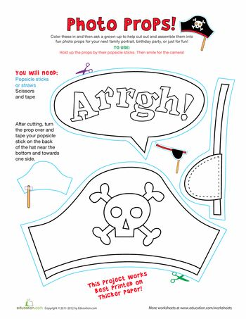 Worksheets: Pirate Photo Props