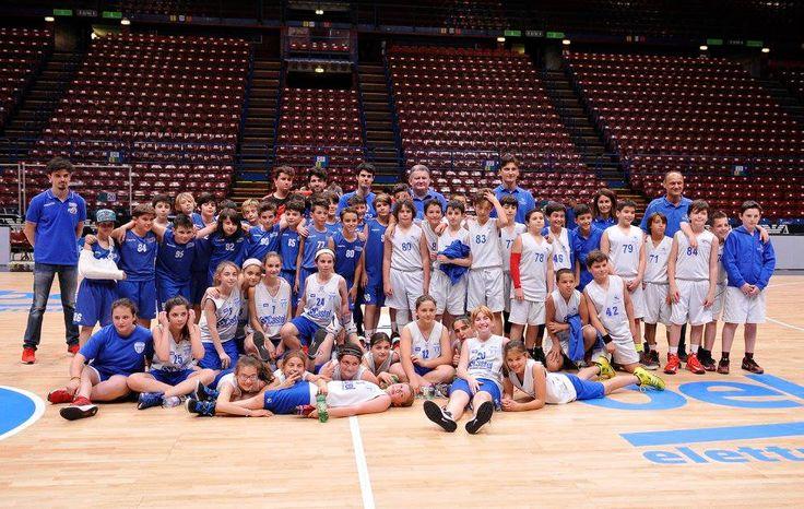 #Castel #Basket  #Carugate #Aquilotti #piccolepromessecrescono #CastelRevolution #sport #passione #sponsoring #Pessano #azione #OneTeamOneDream  #Italia