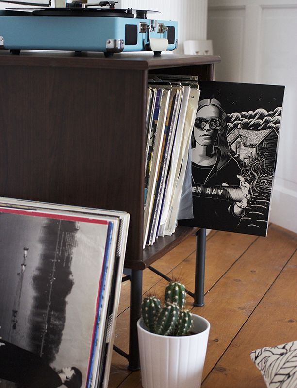 best 25 ikea vinyl storage ideas on pinterest ikea record storage ikea record player stand. Black Bedroom Furniture Sets. Home Design Ideas