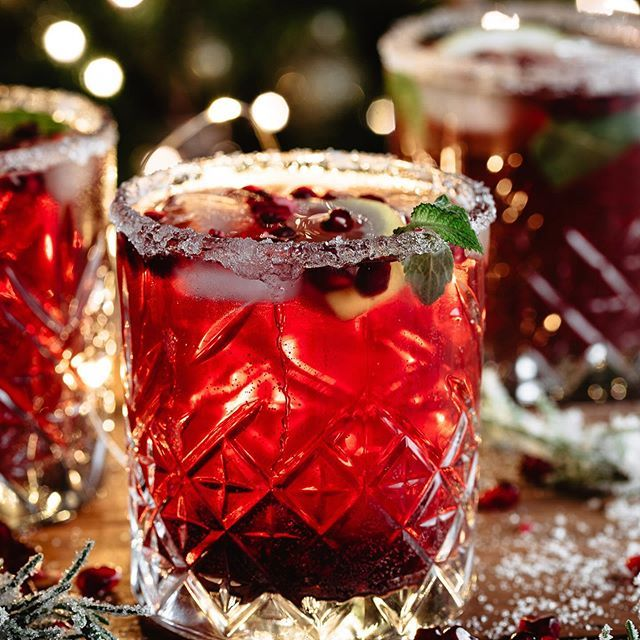 Roberta Healthylittlecravings Instagram Photos And Videos In 2020 Pomegranate Cocktail Recipes Easy Christmas Drinks Pomegranate