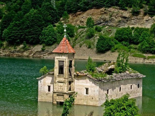 chiese abbandonate - La Chiesa sommersa di Sant Nicholas in Macedonia Cerca con Google