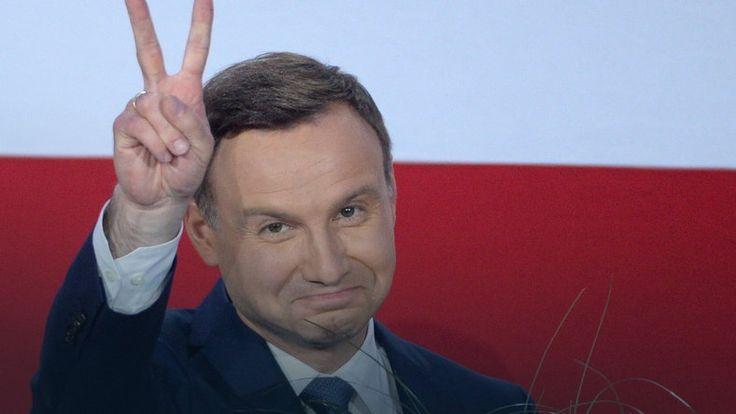 Andrzej Duda zrzekł się członkostwa w PiS #wybory2015 #Polska