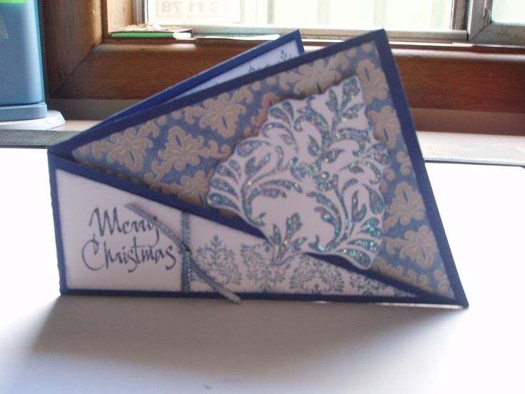 My version of an angle card created for a workshop I ran at a Xmas Stamp Camp recently. Based on cards designed by Carole Colyer - Kaszazz Consultant. This version by Glenda Thane