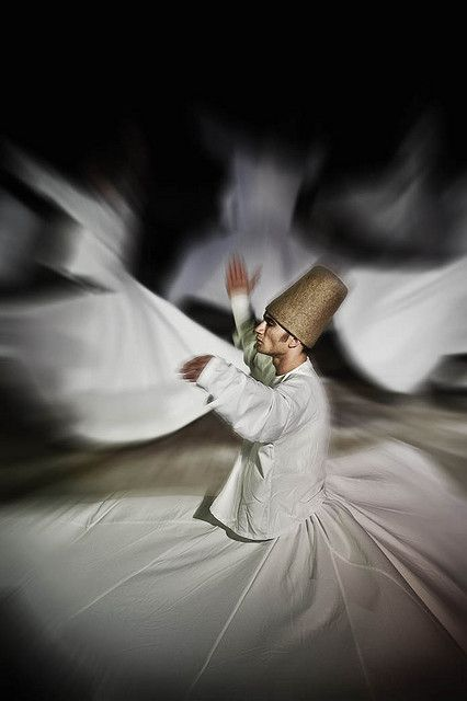 Dervish dancer, Konya, Turkey 19 September 2008 by Ezequiel Scagnetti. S)