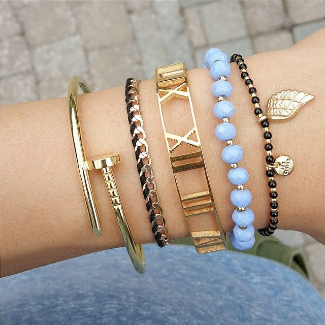 We start the day with this fabulous Roman Bracelet  Super leuk armbandje om met je andere armcandies te mix'en & matchen  #romanbracelet #lescleias #jaeaccesories