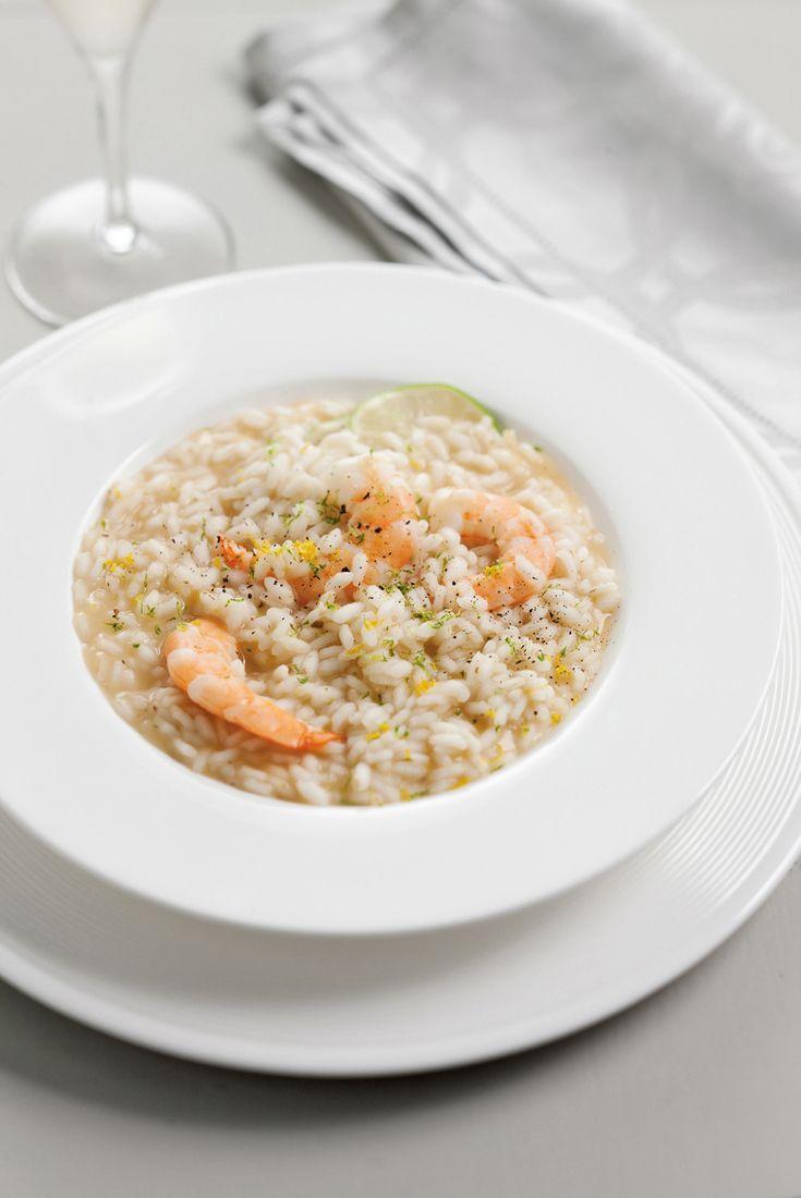 """È il Martini l'ingrediente """"segreto"""" che sposa alla perfezione gli altri ingredienti in questo risotto con agrumi e gamberi: prova la ricetta di Sale&Pepe."""