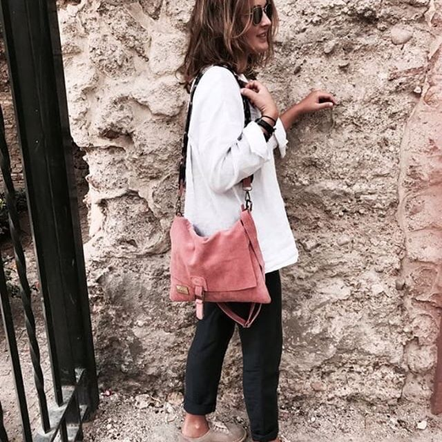 Hoy os damos los Buenos días con esta foto de Aurora con su My Wombo! Nos encanta 💕 mil gracias guapa! Estamos deseando enseñaros todas las cosas nuevas que están por venir! Estad atentos‼️ #mywombo #bolso#bolsosdemoda#cestas#beyou #handbags #handbag #bags #bolsos #moda #style #instastyle #instahandbag#bolsosconestilo #summerbags #travelblogger #summeroutfit #outfit #outfitoftheday #looks #lookinggood #brand#style#instastyle #instabolsos #instadaily #whatiwear #whatisee #ootd #ootdfashion…