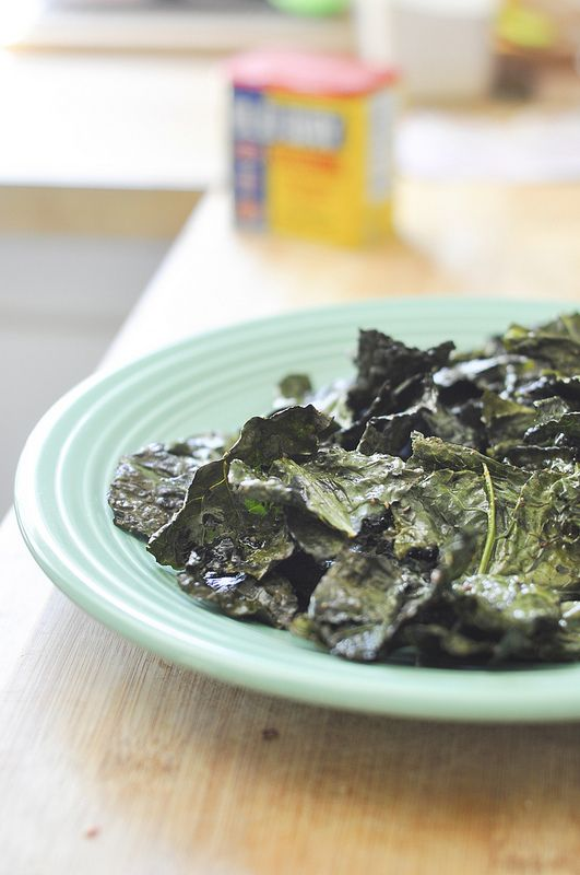 First time trying Kale chips. Hope I'm not disappointed {never} homemaker: PRs and Dinosaur Kale Chips