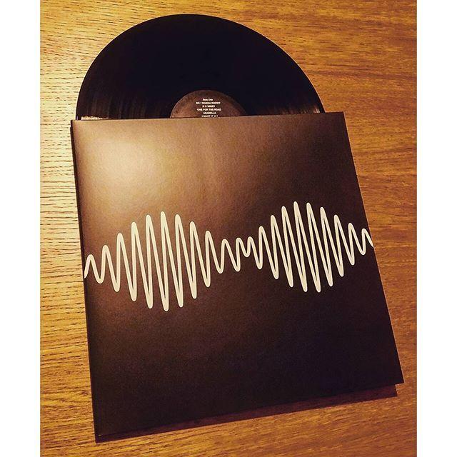 matty_moore_/2016/09/26 05:23:06/🎧 . . #arcticmonkeys #am #doiwannaknow #rumine . . #cover #vinyl #nowspinning #nowplaying #vinylcollection #music #vinyljunkie #love #musictherapy #instavinyl #lp #record #records #vinyloftheday #recordoftheday #vinylgram #fortheloveofvinyl #myrecordcollection #vinylporn #turntable #vintageaudio #indie #onmyturntable #instavinyl #vinyligclub #alexturner