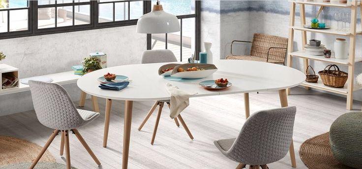 Ha en fin søndagskveld🙋🏼 Spisebord OAKLAND stoler LARS☘️ www.mirame.no  #bord #spisebord #stol #lampe #bokhylle #benk #kjøkken #spisestue #norsk #nordiskehjem #interior #interiør #interiordesign #interiordesign #nordiskdesign #nettbutikk #mirame #innredning #ileggsplater #klaffer #oakland #hvit #tre #solid #salg #tilbud #pris #bestselger #lars #stick