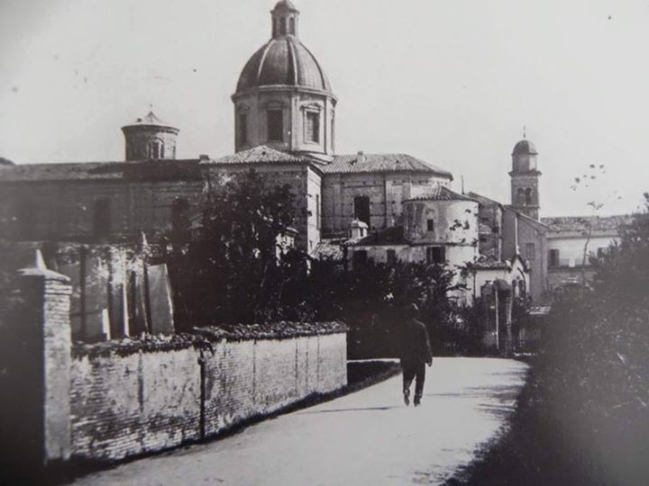 Early '900: The old Via Gaza where now stands the church of the hospice of Santa Teresa. Thanks to Roberto Stanghellini for the picture - Photo by C'era una volta Ravenna on Facebook [ #ravenna #myRavenna]