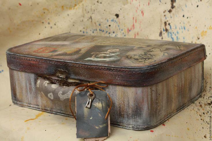 """Купить """"Старые игрушки"""" - чемодан-балетка, винтаж - коричневый, рисунок, чемодан, чемоданчик, балетка, винтаж"""