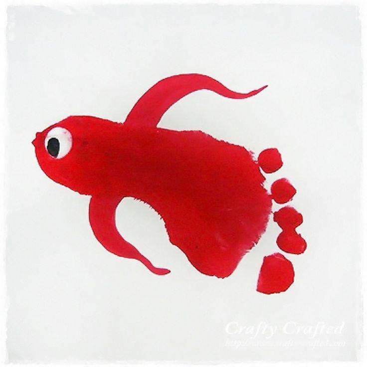 Une idée de génie pour un beau souvenir avec l'empreinte de pied de notre enfant. Utilisez de la...