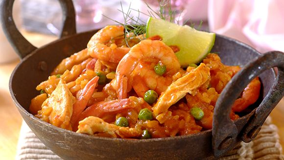 Paella with Prawns, Chicken and Peas
