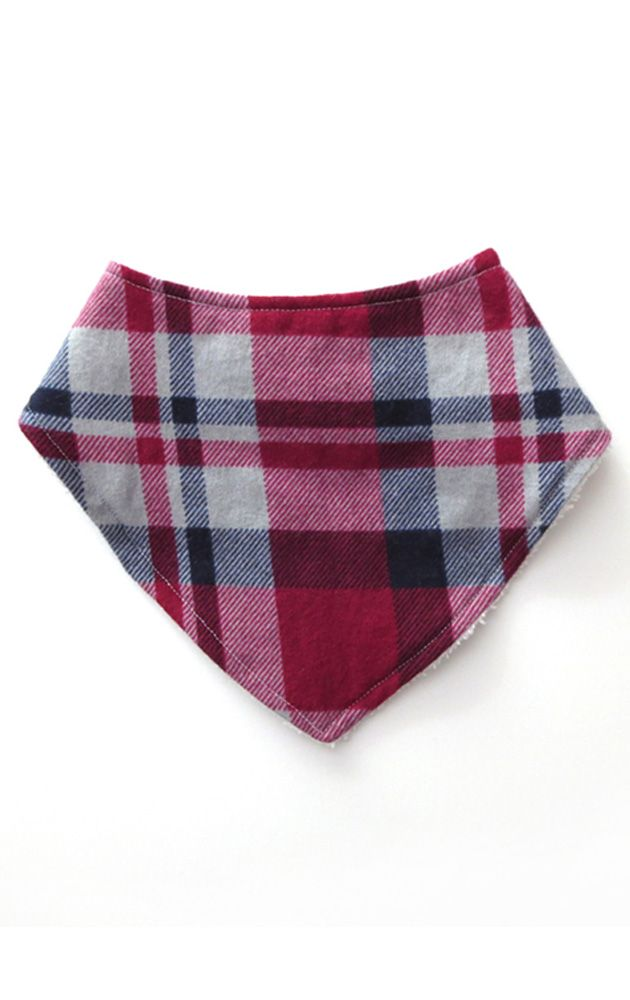 These cute and stylish bandana bibs are perfect for your little one. They are made with a soft flannel front and backed with terry cloth for extra absorbency. These bandana bibs make a great baby shower gift! #babyboy  #babyshowergifts #plaid #bandanabibs #babystyle