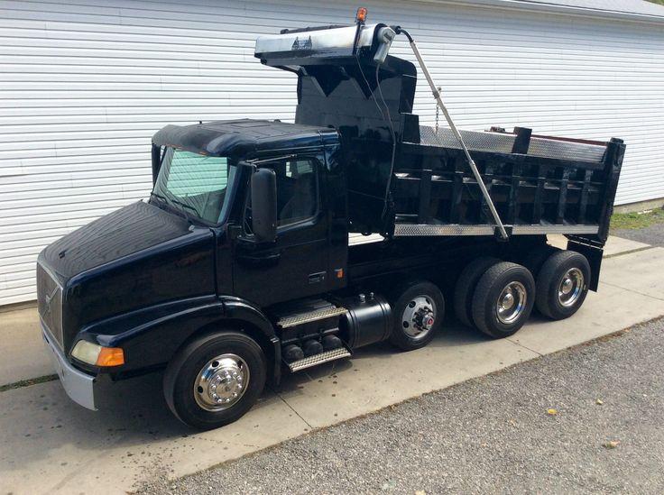 2003 Volvo 379 triaxle dump truck