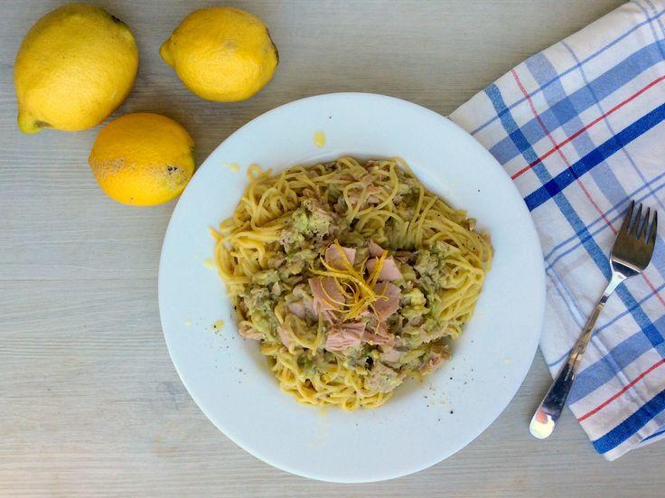 Kukuřično-quinoové špagety s tuňákem, citrónem a avokádem