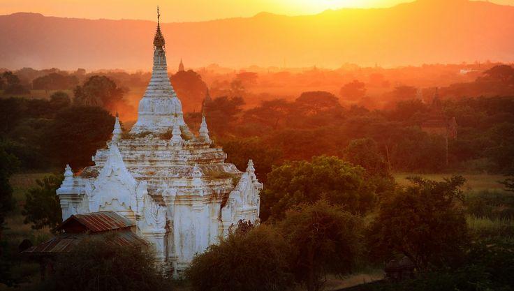 Levé du soleil à Bagan