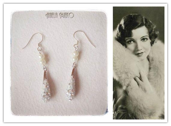 Swarovski crystal earrings with  pearl pearly by AnielaMieko #swarovskiearrings #crystalearrings #crystaljewelry #swarovskijewelry #montrealfashion #jeweldesigner #valentinegift #statementgift #giftforher #anielamieko #mtldesigner #vintageinspiredearrings #vintageinspiredjewelry