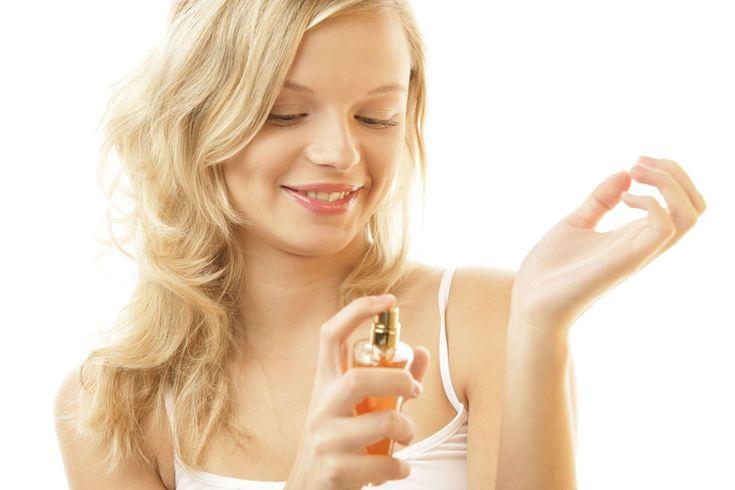 Descubre cómo aplicar perfume correctamente para sacarle el máximo partido al aroma y #sensualidad