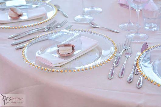 Platou din sticla transparenta cu margine aurie- Glass charger plate with golden beeds