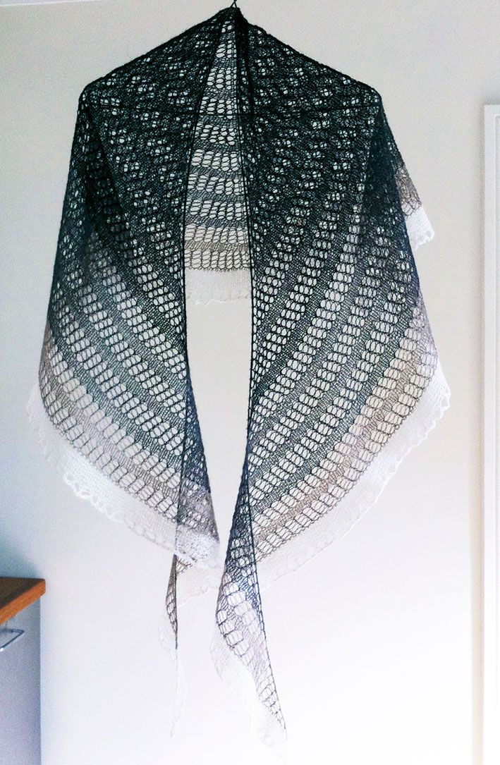 17 Best ideas about Crescent Shawl on Pinterest Knit shawl patterns, Knitte...