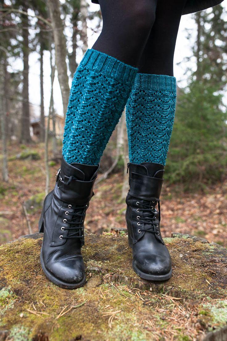 Malli: Lace Legs  by Amanda Jensen   Oma projekti: Lace Legs   Lanka: Malabrigo Arroyo, väri Reflecting Pool   Puikot: 3,0 mm   Menekki:...