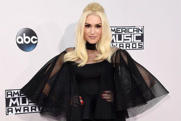 American Music Awards 2015: Gwen Stefani Makes A Statement