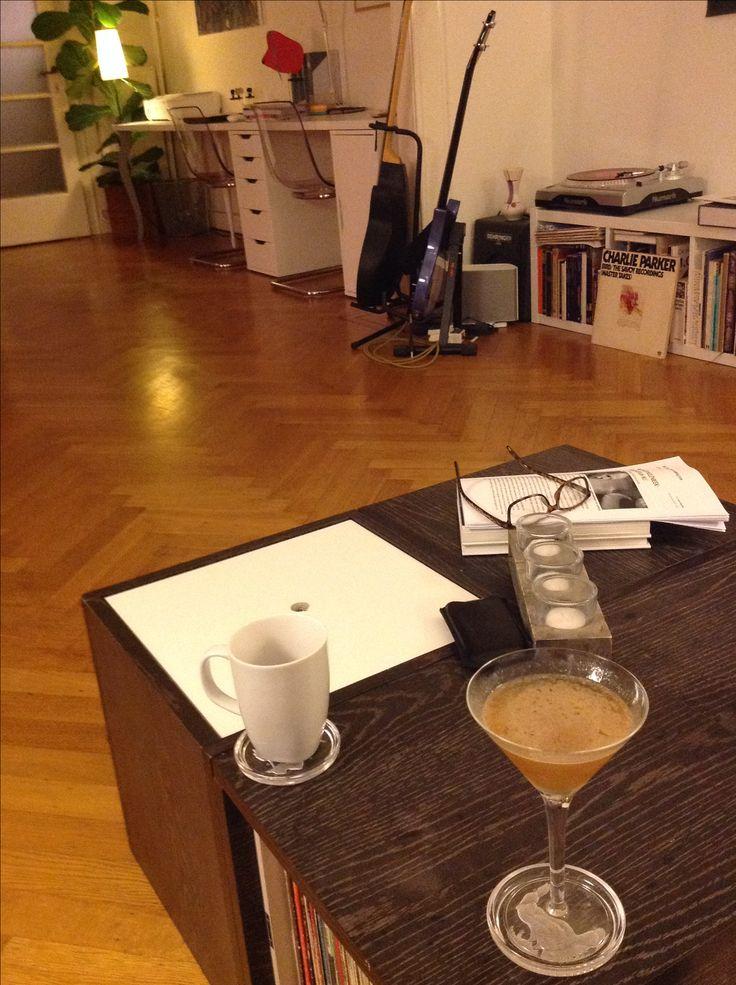 """James Joyce Cocktail"": Bushmills + Martini Rosso + Triple Sec + Limoen."