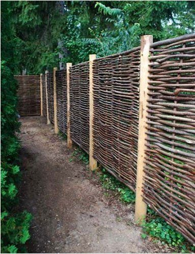 Modern Outdoor Fences : Wattle Fencing A Cheap DIY Material for Modern Outdoor Spaces