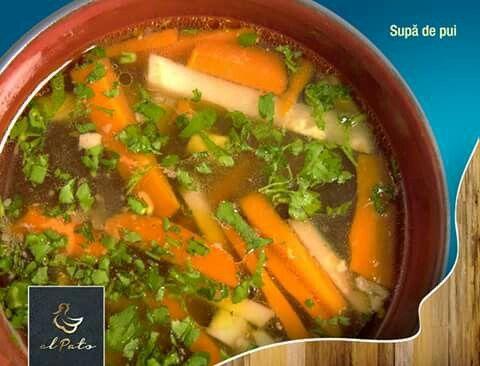 Supa de pui ajută la prevenirea răcelilor, alungă frigul și ne amintește de copilărie. Delicioasa, sănătoasa și gătita cu cea mai mare grijă, ca în bucătăria mamei!