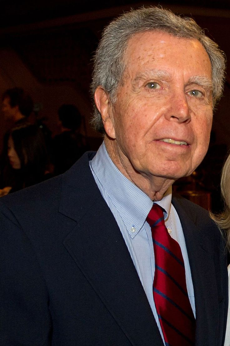 Jeffrey Hayden, a director, producer and writer for television, film and the theater and the husband of Oscar-winning actress Eva Marie Saint, died on Christmas Eve at his home in Los Angeles, his publicist Jeff Sanderson announced. He was 90. Hayden helmed episodes of such series as The Andy Griffith Show, Leave It to Beaver, Lassie, Batman, Dennis the Menace,Magnum, P.I., and many more. He also was an executive producer and director on the NBC daytime series Santa Barbara and helmed…