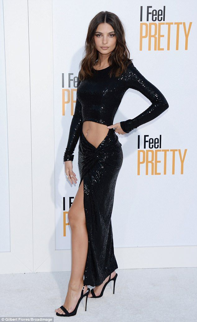 e042c642 Pin by ANDRES on EMILY | Emily Ratajkowski, Emily ratajkowski makeup, Crop  dress