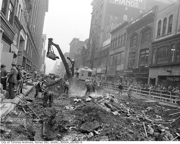 Toronto 1940s Subway construction workers begin digging down on Yonge Street (1949) http://www.blogto.com/city/2015/01/a_1940s_toronto_photo_extravaganza/