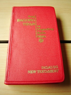 Tagalog New Testament / Catholic Aproved Tagalog Popular Version / Red Pocket Version / Tagalog NT TPV 252I