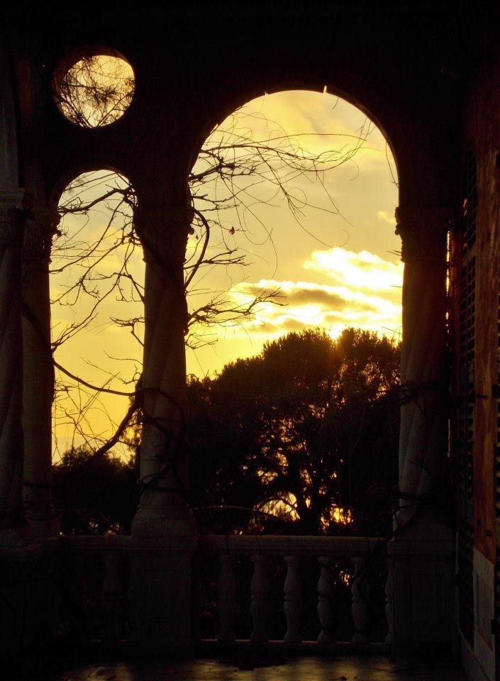 il tramonto dalla loggia - Hanbury Gardens in Ventimiglia - Riviera dei Fiori, Liguria, Italy
