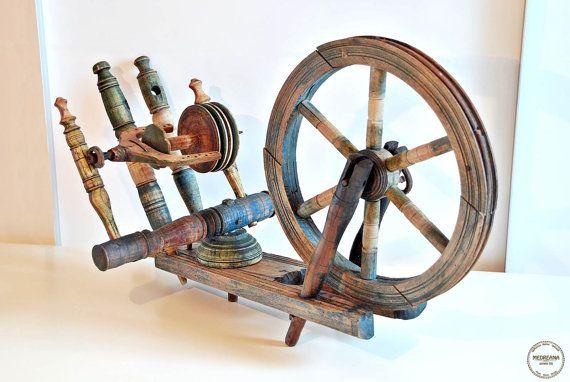 20 OFF Spring Sale  Antique Spinning Wheel / by VintageMedreana, $192.00