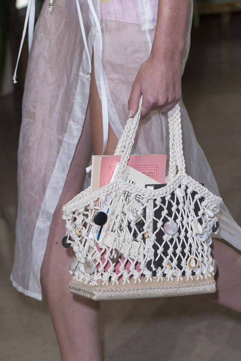 Mochila Bolsos 101 Nudos 2019 Macrame The We Bolso Want Y Bags From Spring Straight Runways PqOP4wzxr
