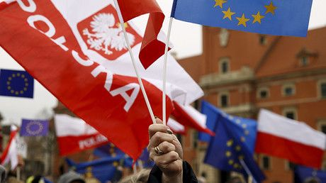 Poland blasts EU 'blackmail' over judicial reform after voting rights threat https://tmbw.news/poland-blasts-eu-blackmail-over-judicial-reform-after-voting-rights-threat  In the latest jab aimed at Brussels, Warsaw has accused the EU of blackmailing it over controversial judicial reform. The European Commission said it was ready to suspend Poland's voting rights at the EU.Read moreThe confrontation came on Wednesday, after Polish President Andrzej Duda signed into law a bill allowing the…