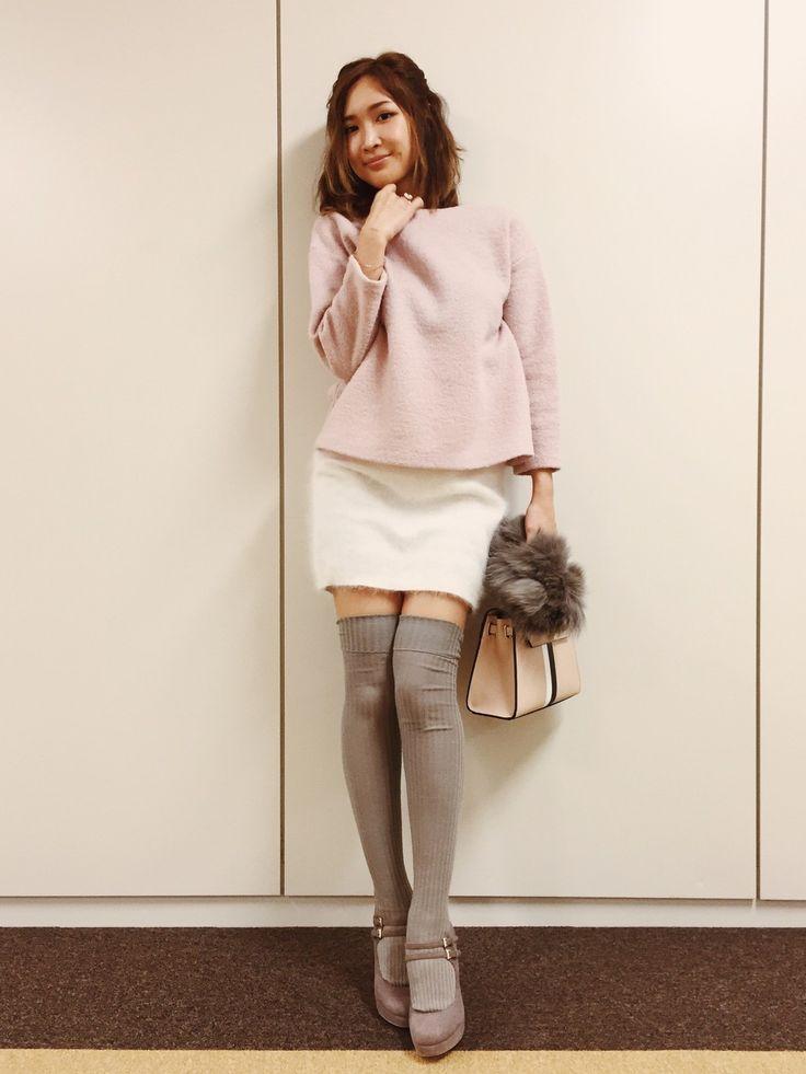 紗栄子さんのTシャツ/カットソー「anatelier ボートネックニットプルオーバー」を使ったコーディネート
