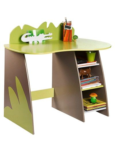 This fun junior desk from Vertbaudet is ideal for very young kids who will love the whimsical, safari style design and crocodile cut-out bookend.